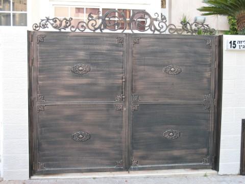 שערים - שערים -  דגם אטום - שערים-שער כניסה